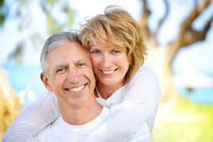 happy-attractive-older-couple-01