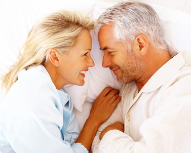 older_couple_in_bed